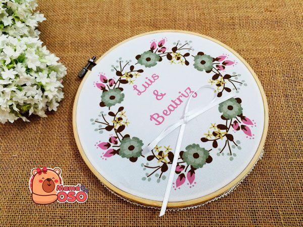 Bastidor porta alianzas personalizado floral